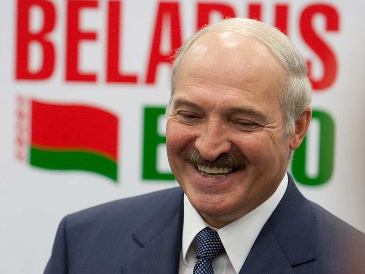 Петух, хряк и свиноматка: Лукашенко высказался о своем оппоненте в президентской гонке