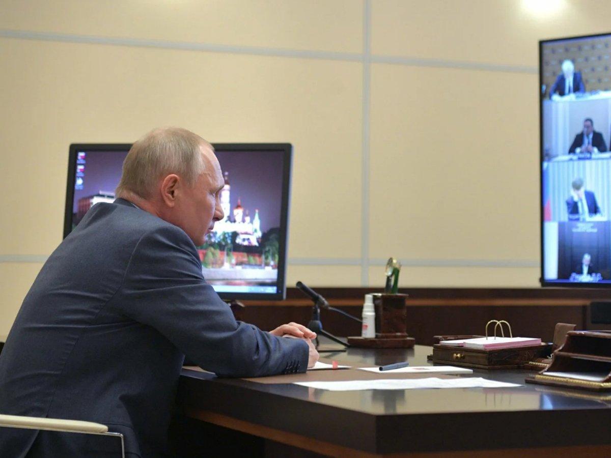 «Правовой феномен»: Путин объяснил, почему внес в Госдуму закон со ссылками на новую Конституцию до голосования