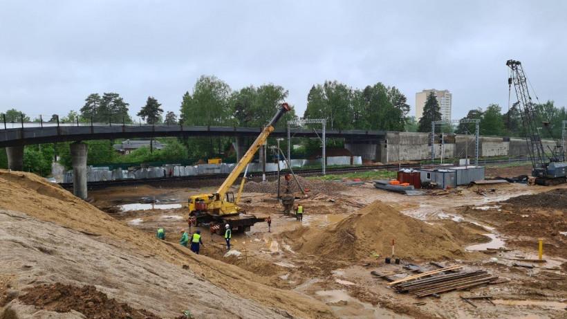 Работы по строительству путепровода в городском округе Истра завершены на 75%