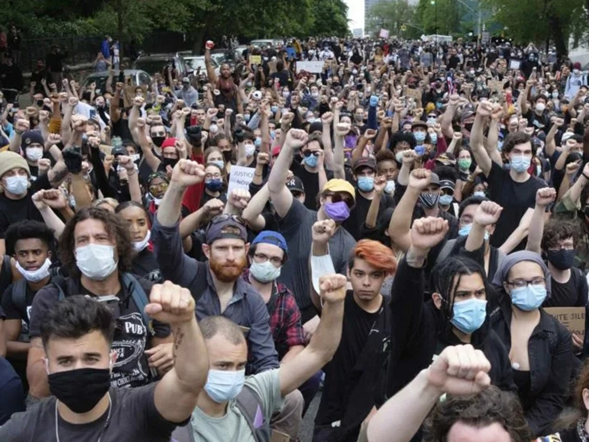 Социологи ожидают новых массовых протестов в России