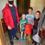 Спортивные волонтеры передали подарки более 80 подмосковным семьям с детьми с особенностями развития