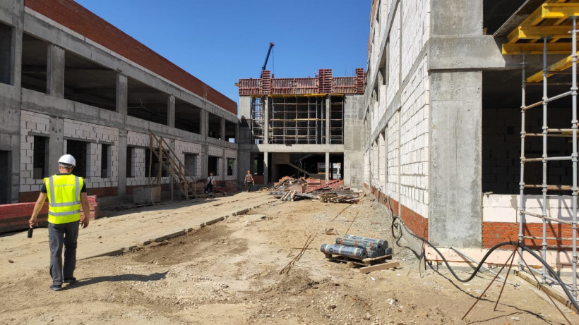 Строительство начальной школы в Луховицах ведется в графике