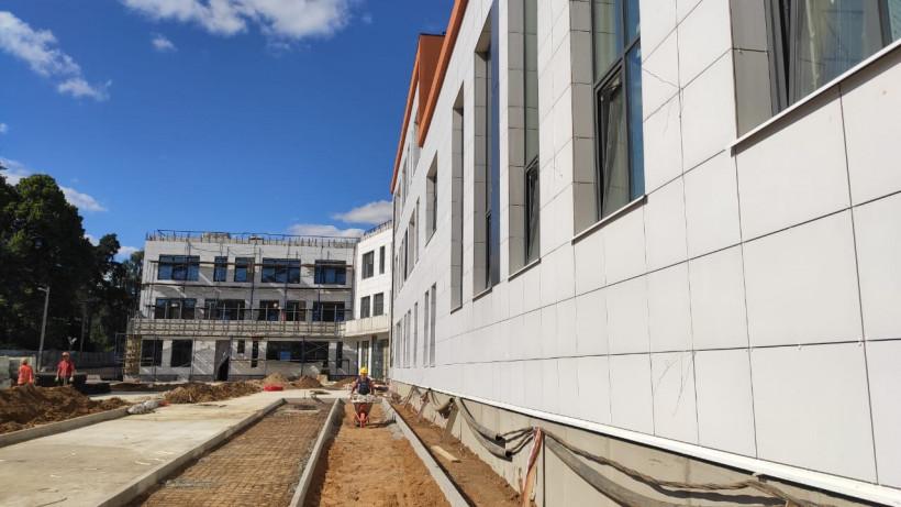 Строительство школы на 275 мест в поселке Люберец завершится в августе