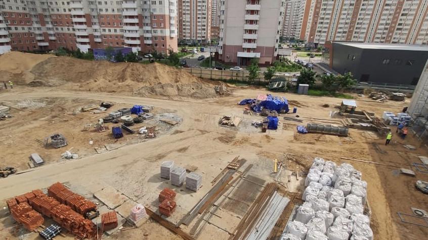Строительство учебной пристройки на 400 мест в Балашихе завершат до конца года