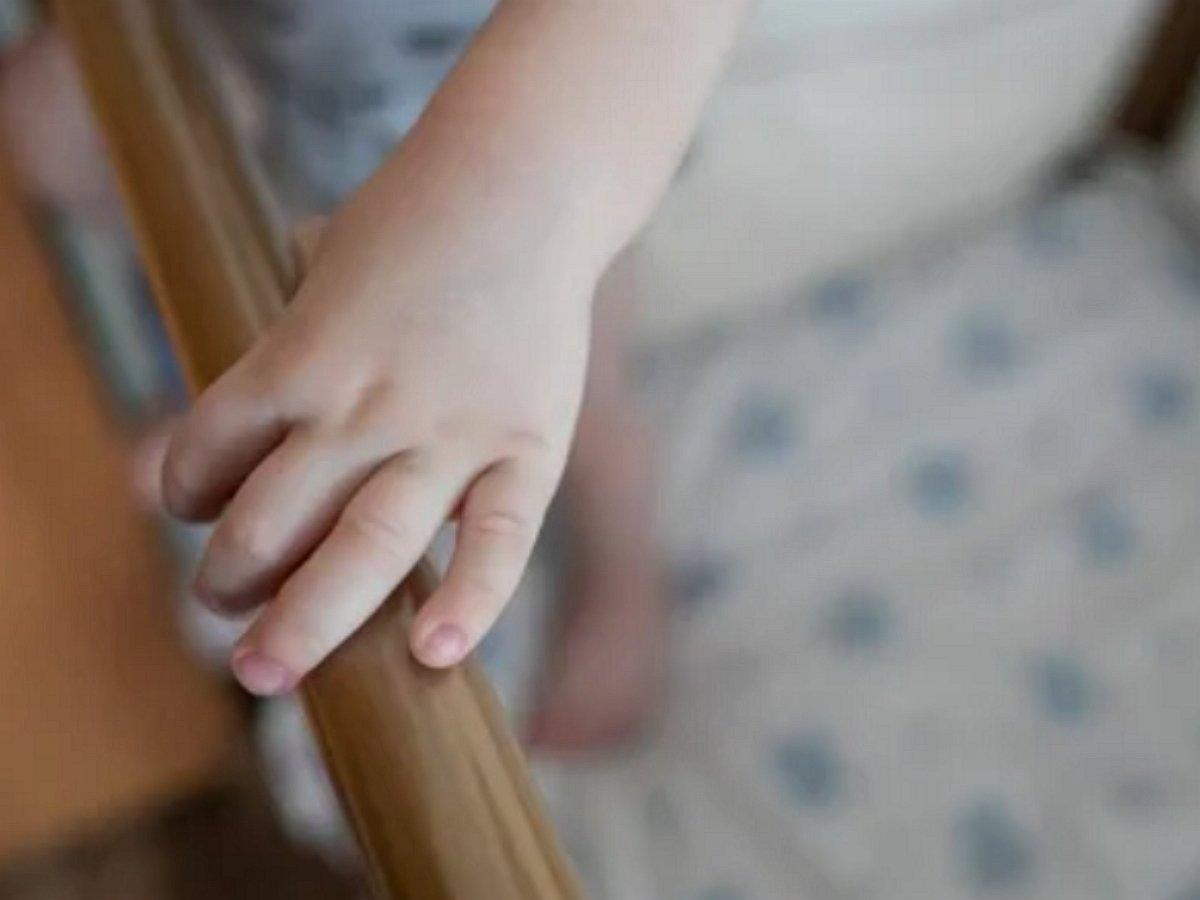 отец изнасиловал 1,5-годовалую дочь