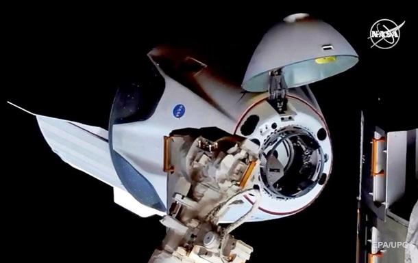 В NASA решили продлить миссию экипажа Crew Dragon на МКС