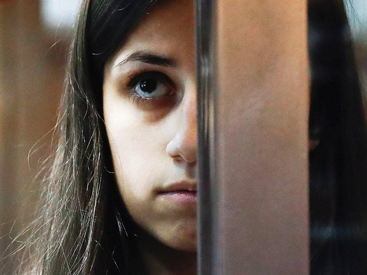Втелефонах сестер Хачатурян иотца нашли секс-записи