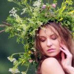 Венок из цветов и травы