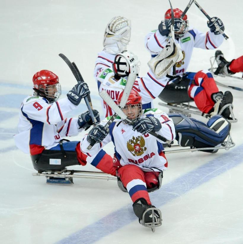 13 следж-хоккеистов подмосковного «Феникса» выступят в составе сборной России