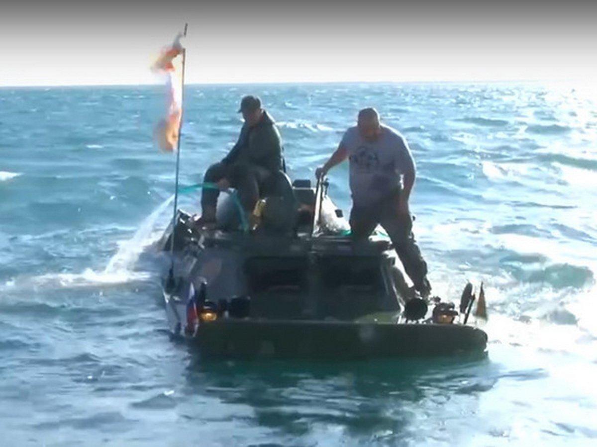 В Керченском проливе затонул БРДМ-2
