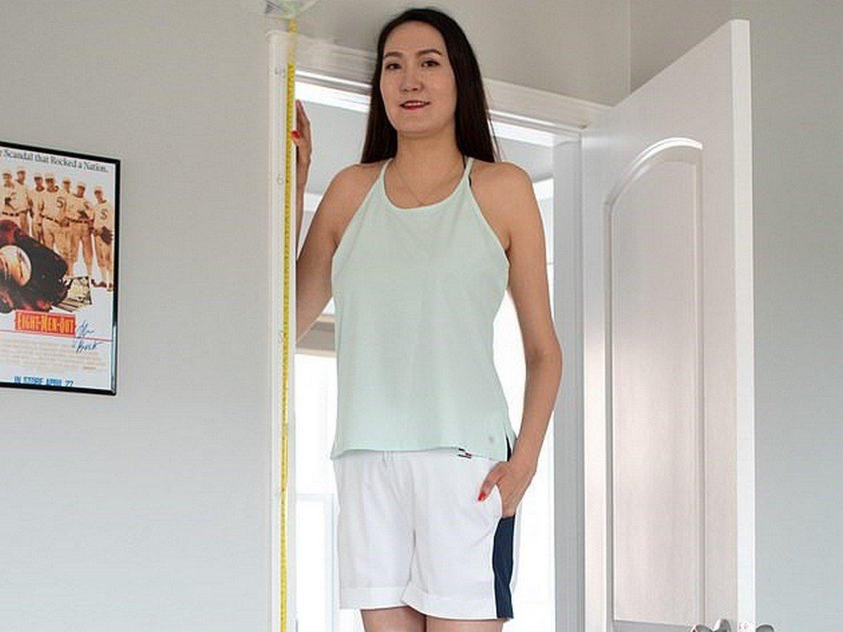Девушка с аномально длинными ногами живёт в Чикаго