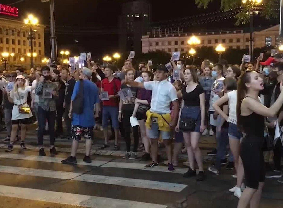 Хабаровск четвертый день подряд митингует против ареста Фургала