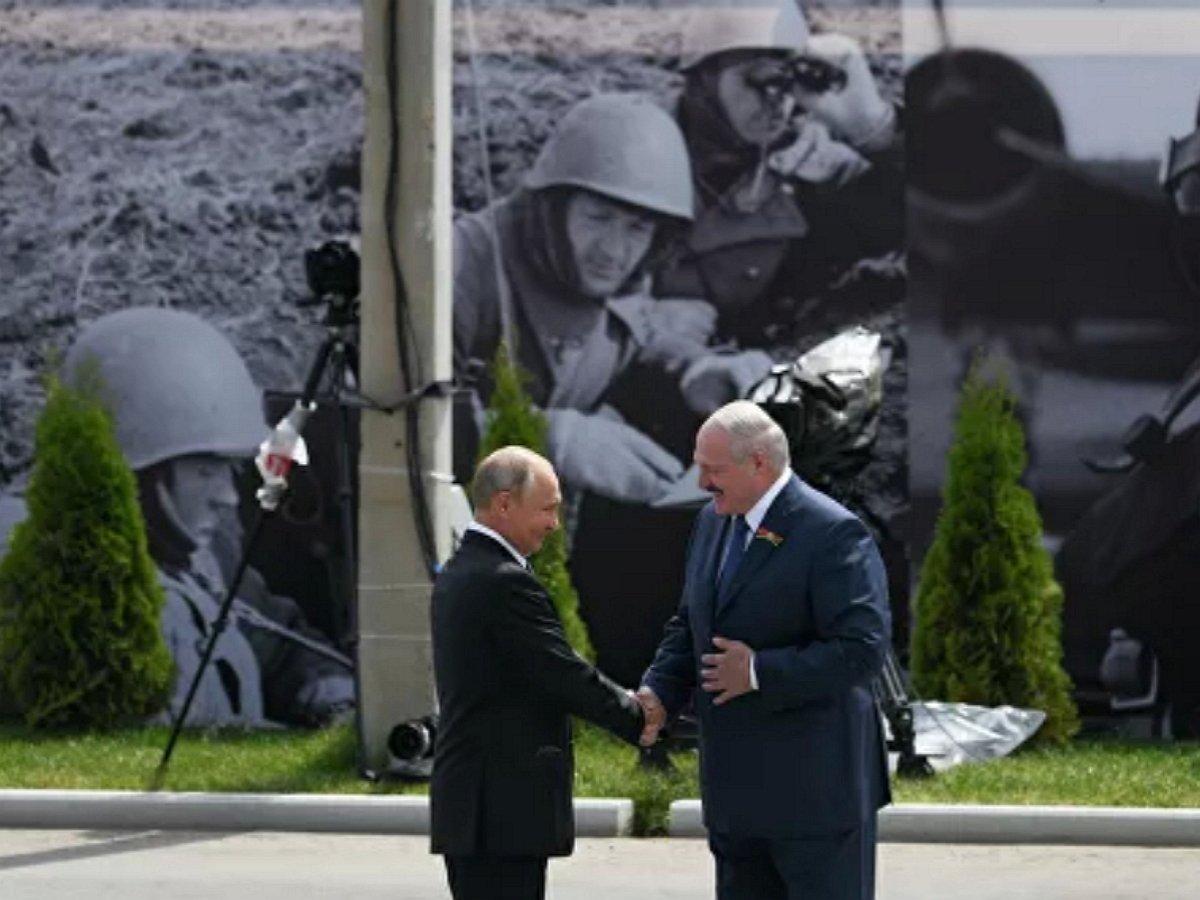 """Мединский завалил """"экзамен"""" Лукашенко по истории при Путине на открытии мемориала подо Ржевом"""