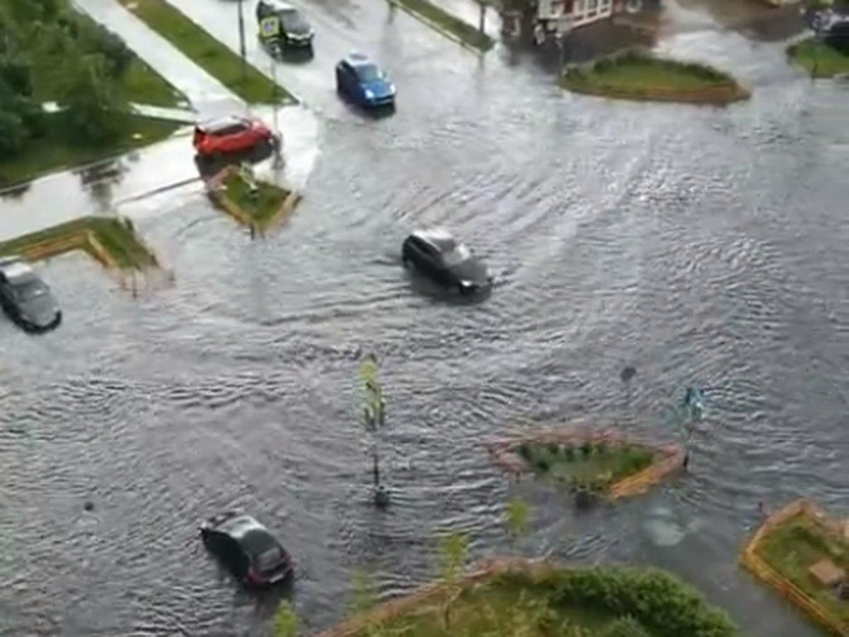Москву затопило после ливня с грозой: Строгино и Медведково ушли под воду