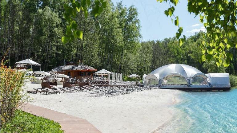 Ограничения на посещение пляжей сняли в Подмосковье