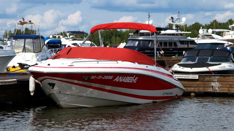 Передвижение на моторных катерах в запретных для рыбалки местах могут запретить в регионе