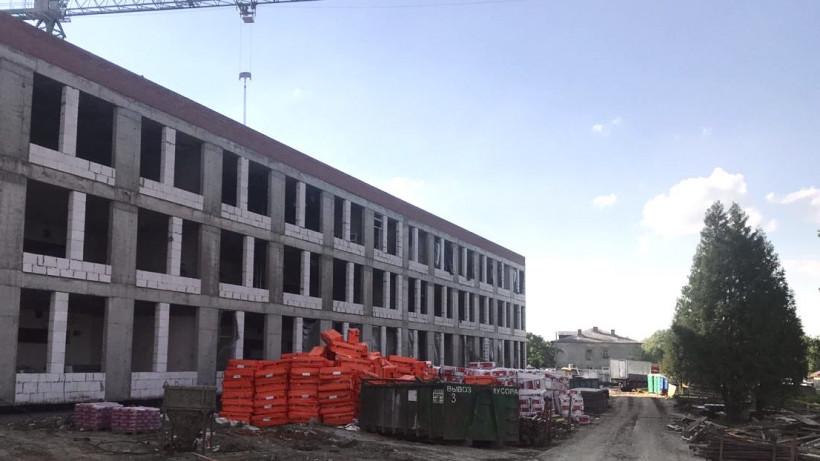 Строительство школы на 550 мест в Волоколамске завершено на 47%