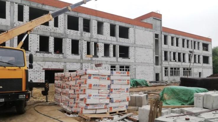Строительство школы в Луховицах завершено на 55%