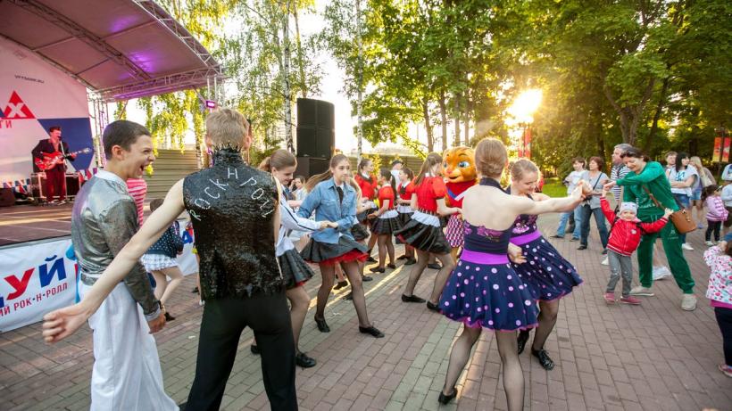 Уроки акробатического рок-н-ролла стартуют в парках Подмосковья 1 августа