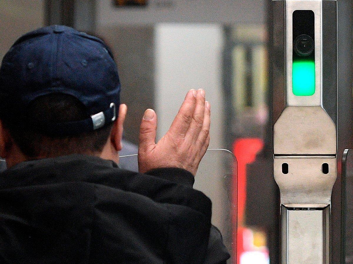 В метро Москвы появится система распознавания лиц