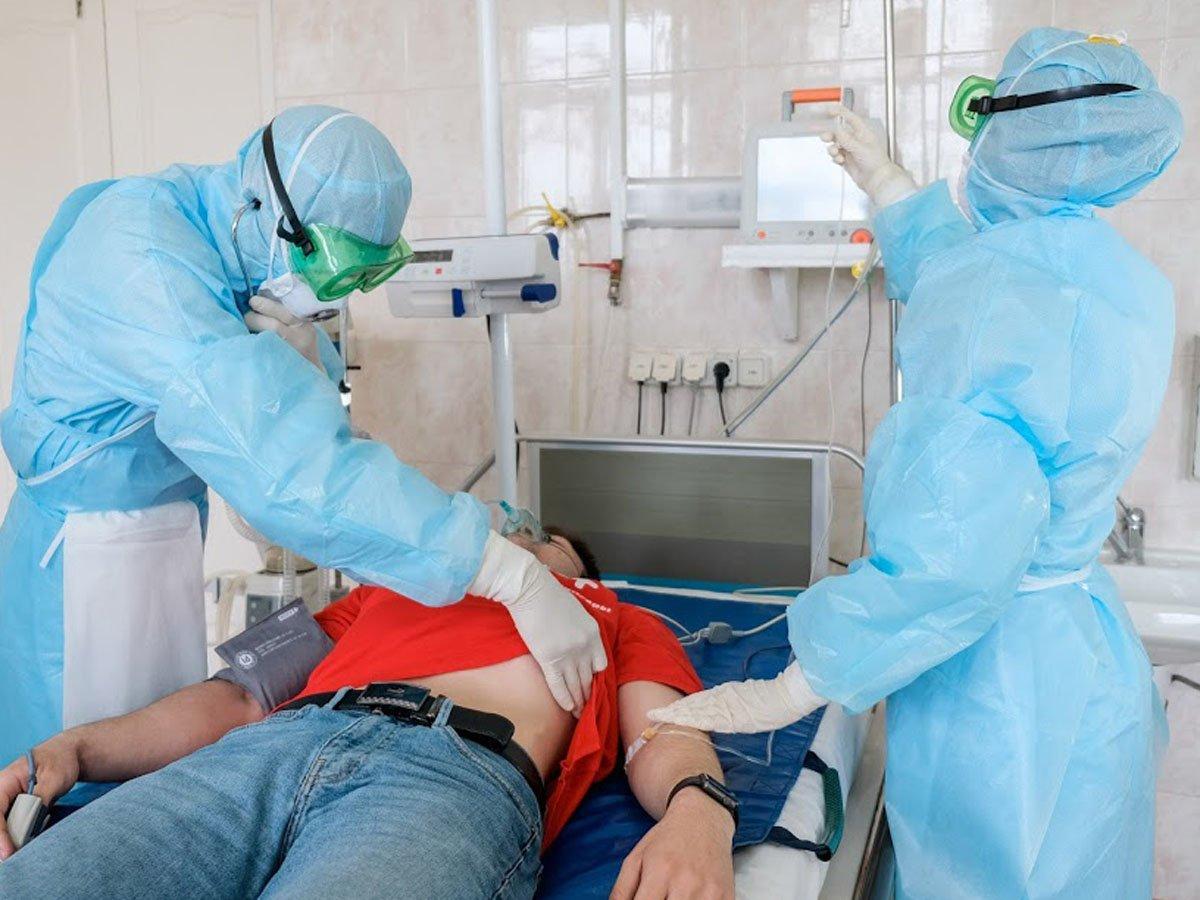 В России выявлено 5811 новых случаев заражения COVID-19 за сутки