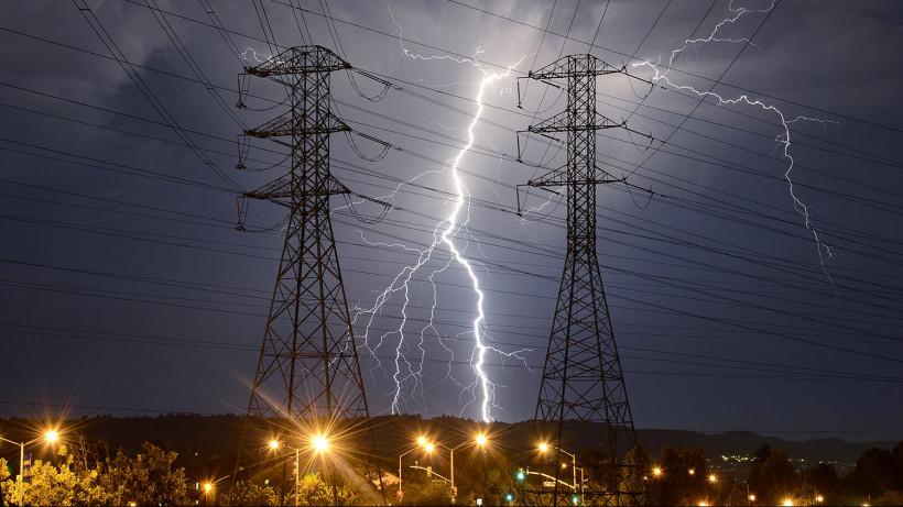 Возникшие из-за непогоды нарушения электроснабжения устранили в Подмосковье