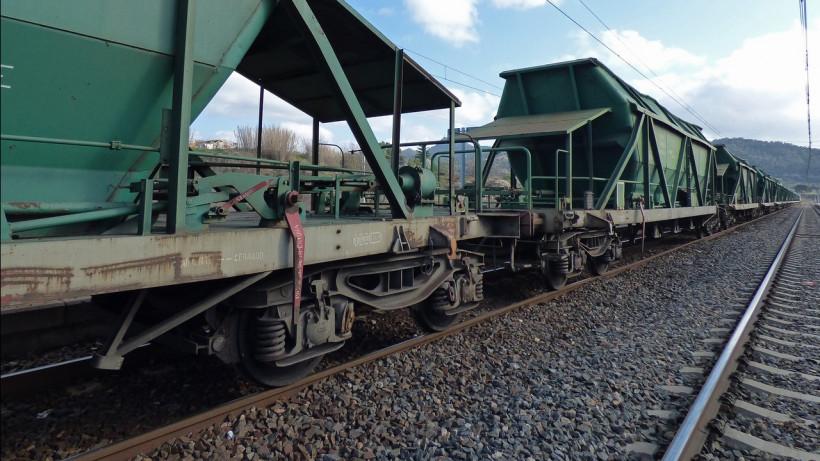 Более 10 нарушителей перехода через железнодорожные пути выявили в Люберцах