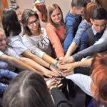 Дистанционный час общения «Активная молодежь - будущее России» .