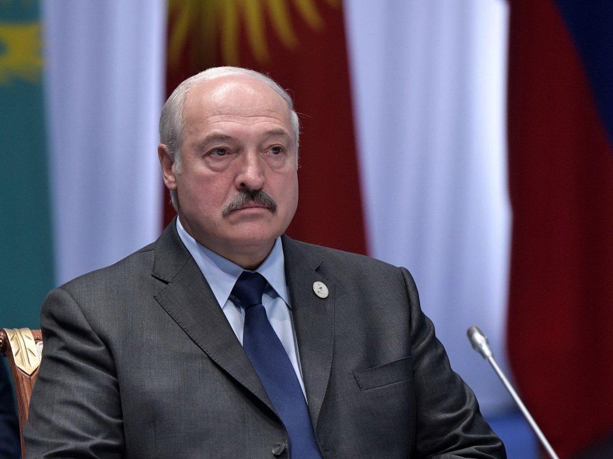 Лукашенко пропустил звонки Макрона