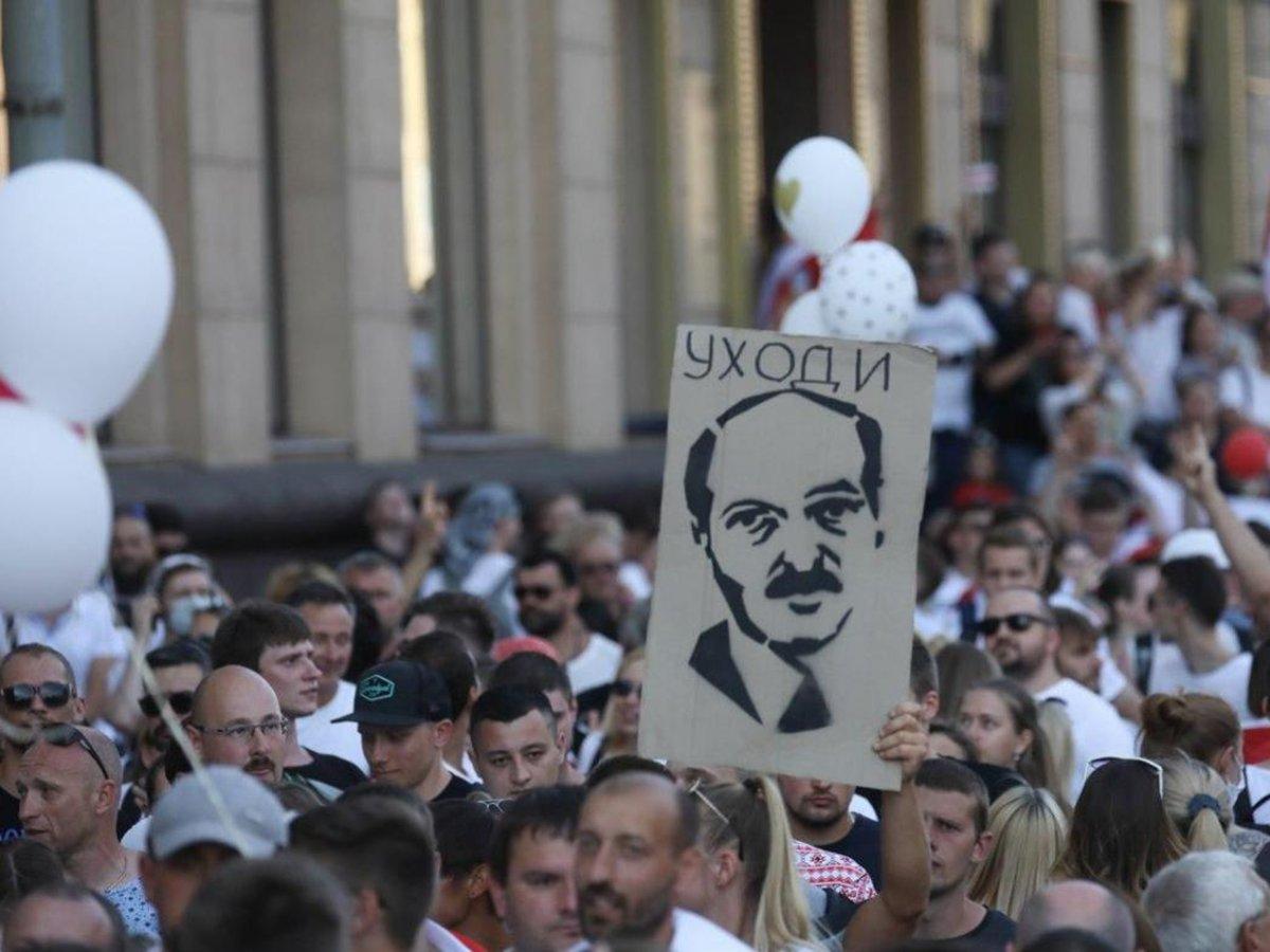 """""""Это будет катастрофа"""": эксперты оценили последствия свержения Лукашенко для России"""