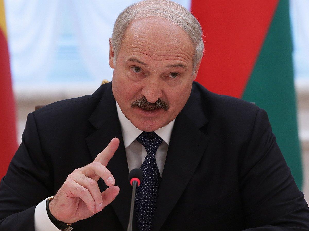 Лукашенко уверен, что Путин покинет пост президента до 2036 года