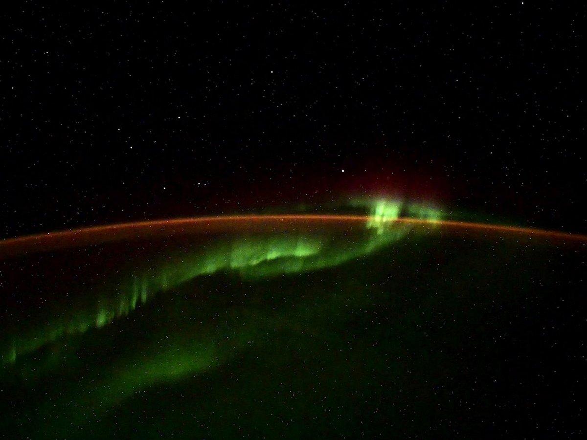 NASA зафиксировало гигантскую аномалию надЗемлей.