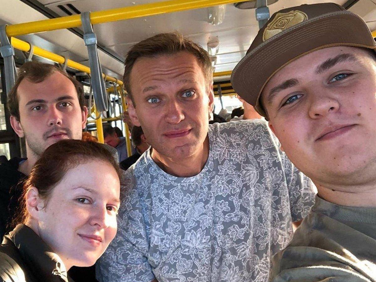 Попутчик Навального из Томска рассказал о ЧП в самолете и выложил видео