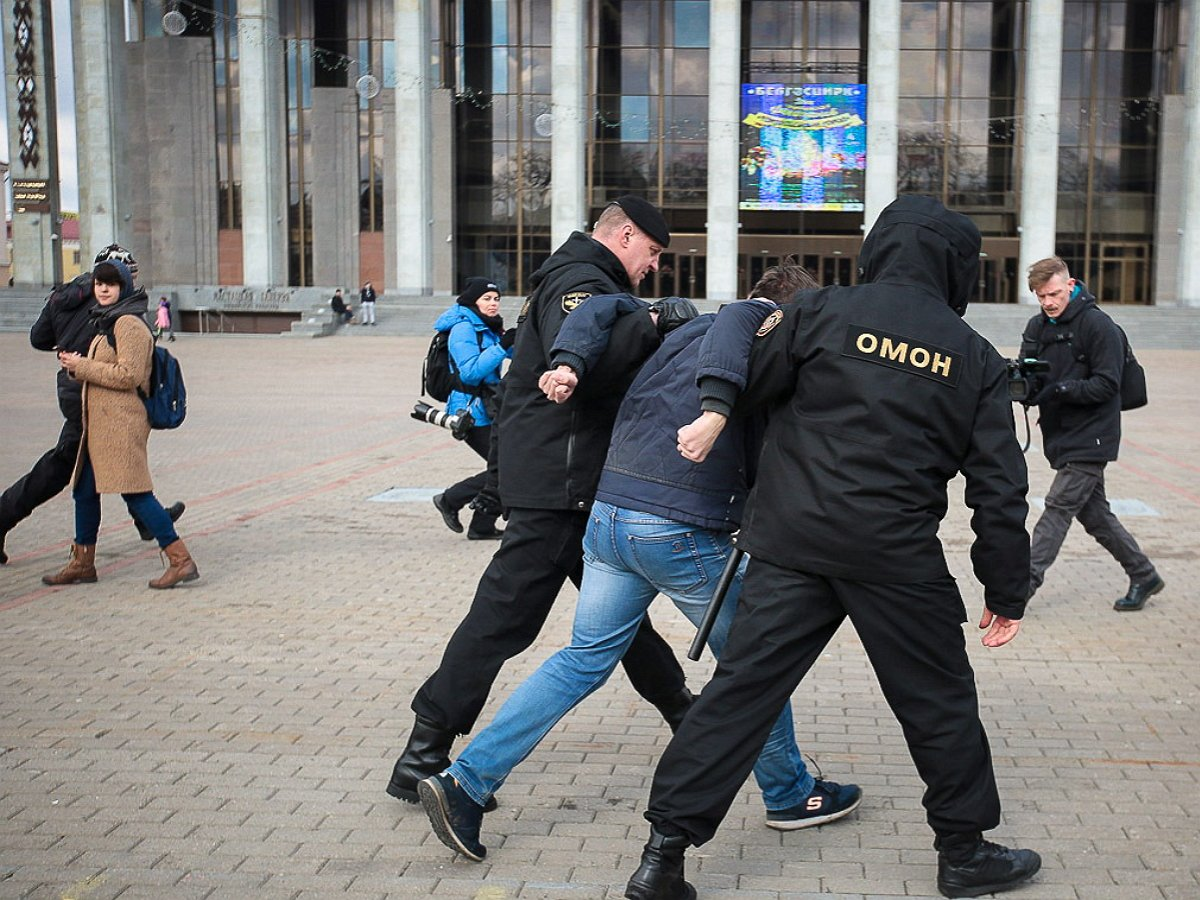Протесты в Белоруссии: уДома правительства задержали протестующих