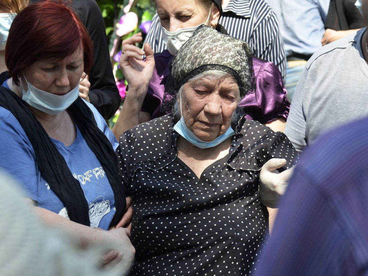 Родня погибшего в ДТП с Ефремовым водителя сэкономила на похоронах