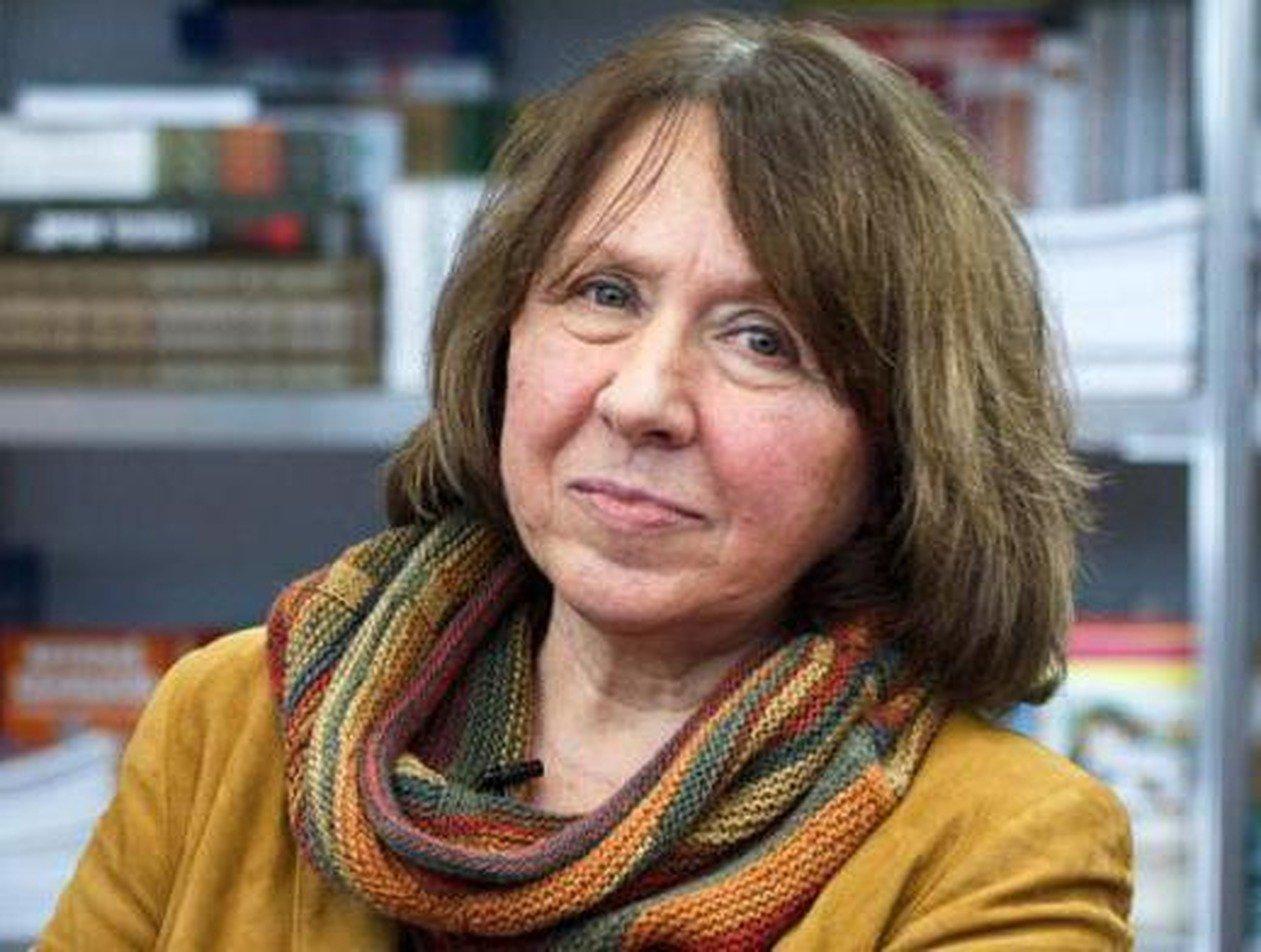 СК Белоруссии допросил нобелевского лауреата Алексиевич по делу оппозиции