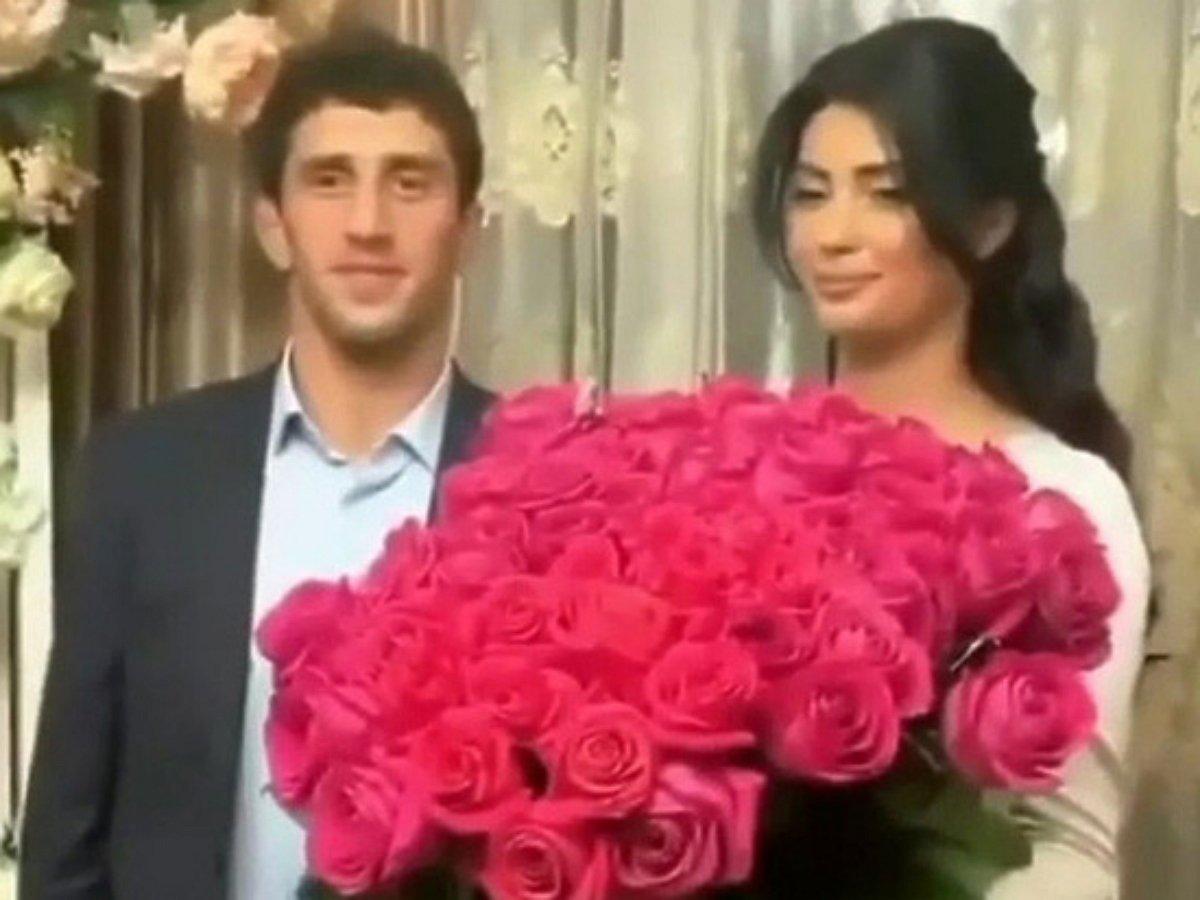Стали известны подробности скандала на свадьбе борца Сидакова, выгнавшего невесту с торжества