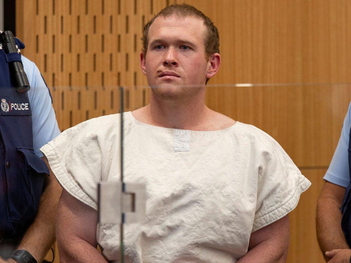 Стрелок молящихся в мечетях в Новой Зеландии получил пожизненное