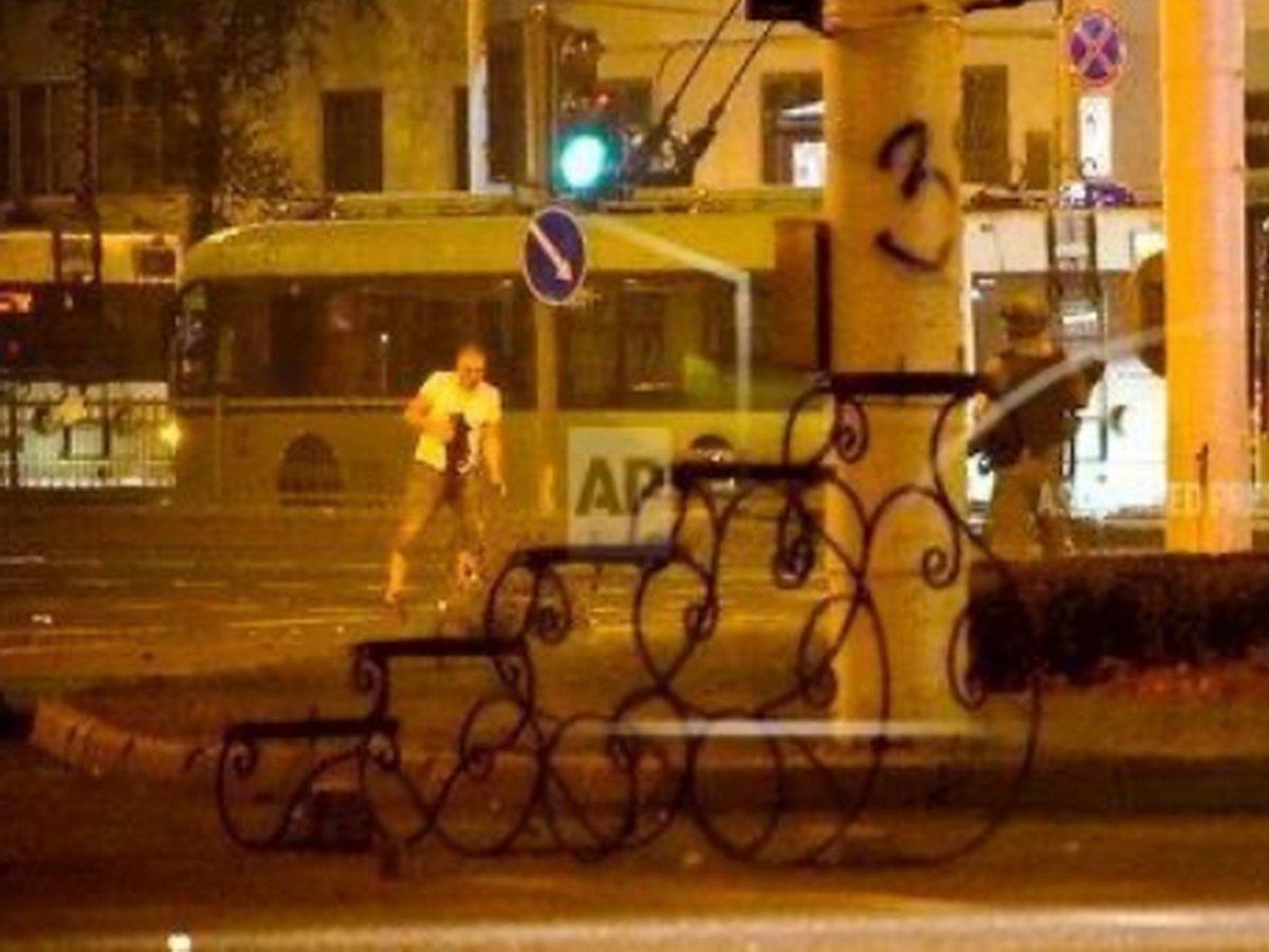 Видео гибели Александра Тарайковского в центре Минска появилось в Сети: его могли застрелить