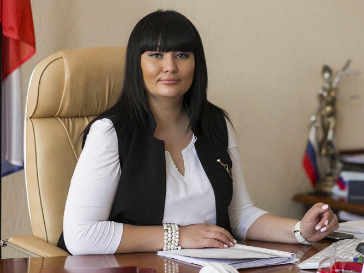 Задержанная ФСБ за взятку в 25 млн председатель райсуда Волгограда закатила истерику в ресторане