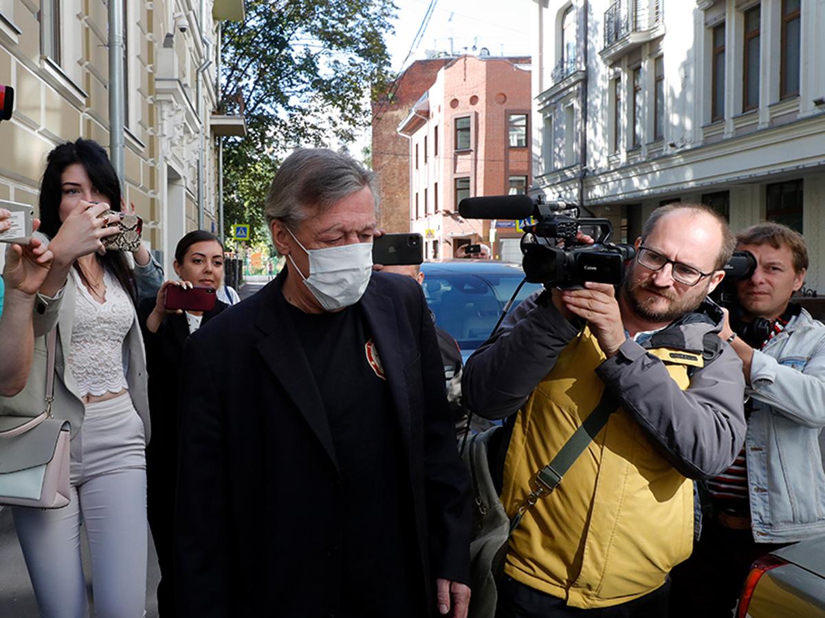 Адвокат Добровинский рассказал, как Ефремов мог избежать тюрьмы