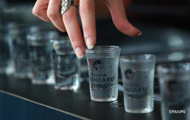 Американки в карантин стали чаще употреблять алкоголь - ученые