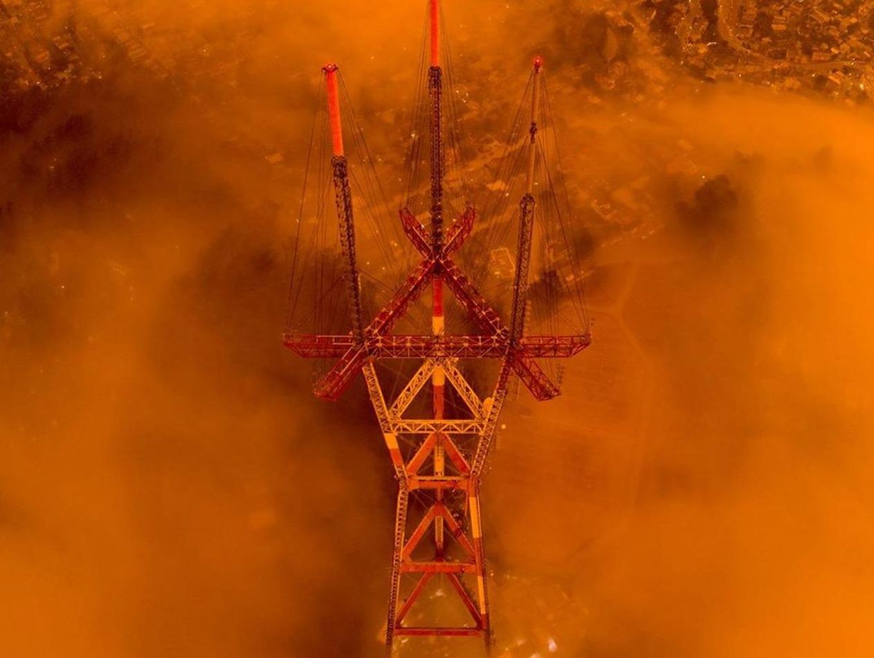 Апокалиптические пожары в лесах Калифорнии, убившие 11 человек, попали на фото и видео