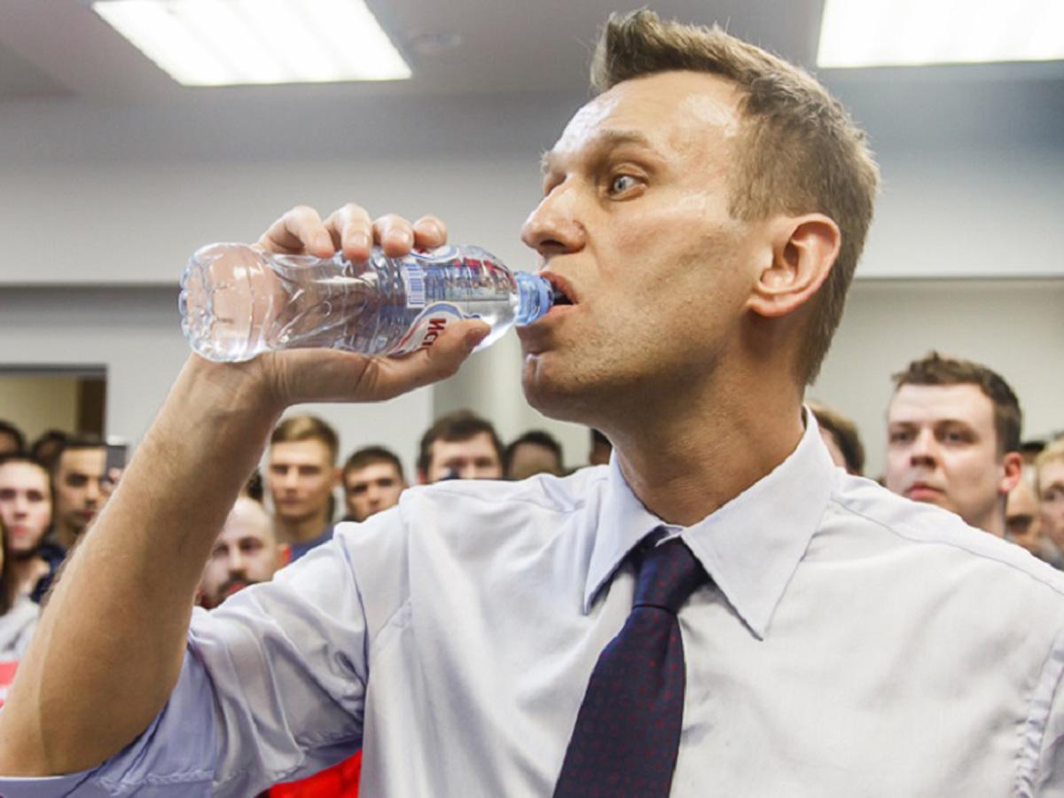 ФБК: следы «Новичка» нашли на бутылке из отеля в Томске, где жил Навальный