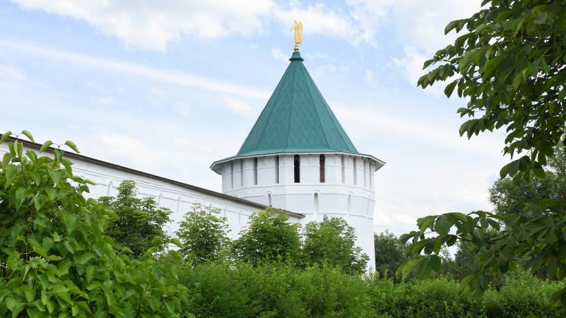 Гости и жители Серпухова могут познакомиться с древними монастырями на экскурсиях