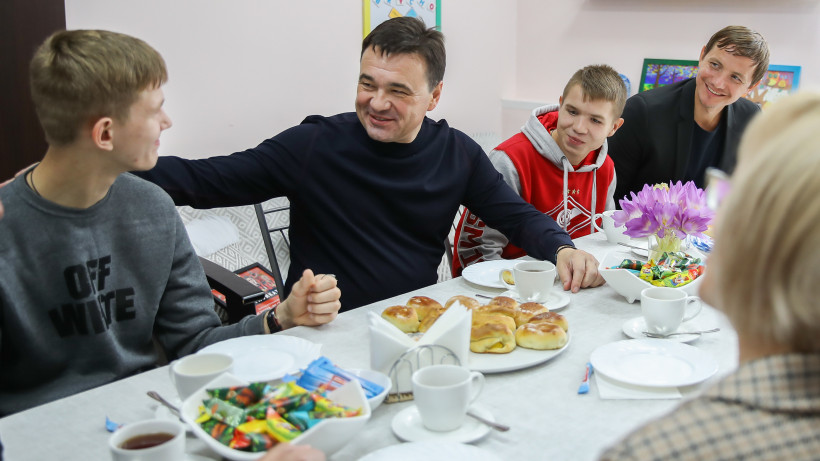 Губернатор встретился со студентами колледжа и воспитанниками детского дома в Щелкове