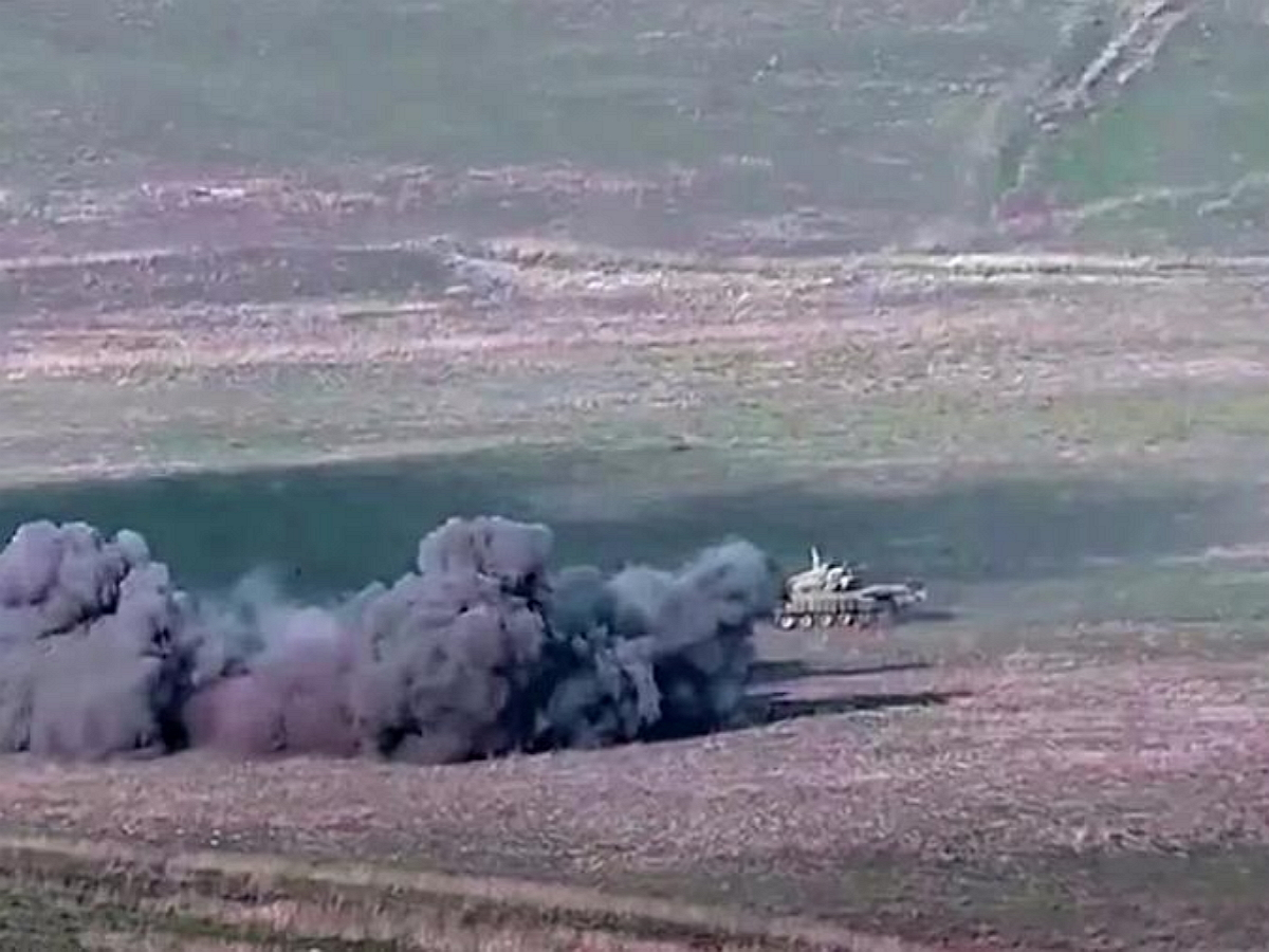 Обострение конфликта в Нагорном Карабахе: Армения объявила всеобщую мобилизацию