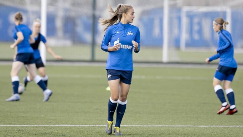 Футболистка Анастасия Самсонюк