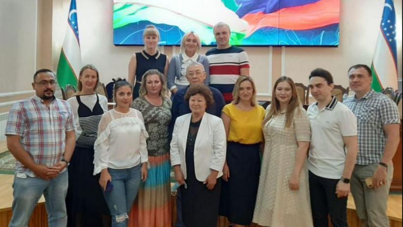 Подмосковные врачи вернулись из Узбекистана после борьбы с COVID-19