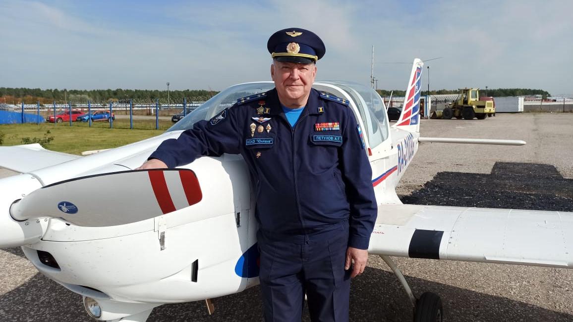 Руководитель молодежной авиаэскадрильи «ЮнАвиа» – о детях-пилотах и создании областного авиацентра